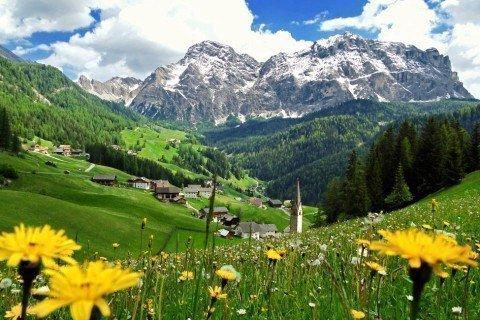 Vacanze estive nelle Dolomiti – La natura pristina della Val Badia